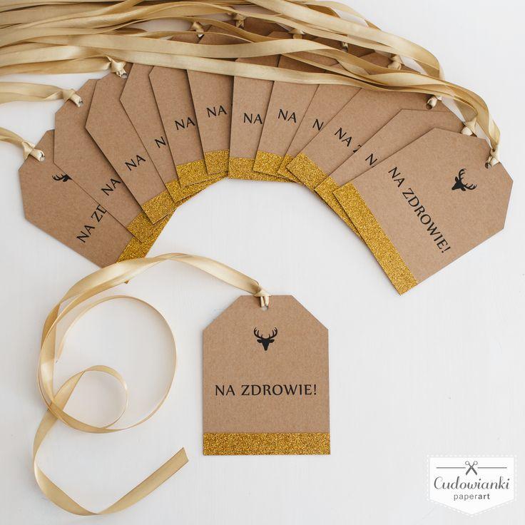 Wedding, alcohol labels on the bottle, made of eco paper with pink ribbon and glitter. / Zawieszka na alkohol na wstążce satynowej wykonana z papieru ekologicznego. Z dodatkiem złotego brokatu.