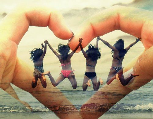 this is cute(:: Photos Ideas, Friends Photos, Best Friends, Bestfriends Volleyb Pictures, Cool Ideas, Friendship Pictures Beaches, Friends 3, Bff Photography Ideas Summer, Bff Pictures Beaches