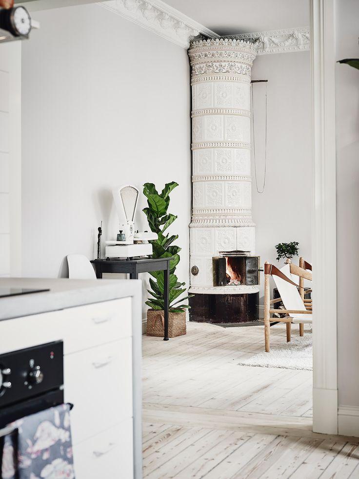 Cozy home with antique elements - via cocolapinedesign.com