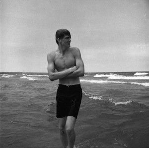 Vivian Maier, Lake Michigan beach, I Love this picture cause it reminds me of my Brother!!!