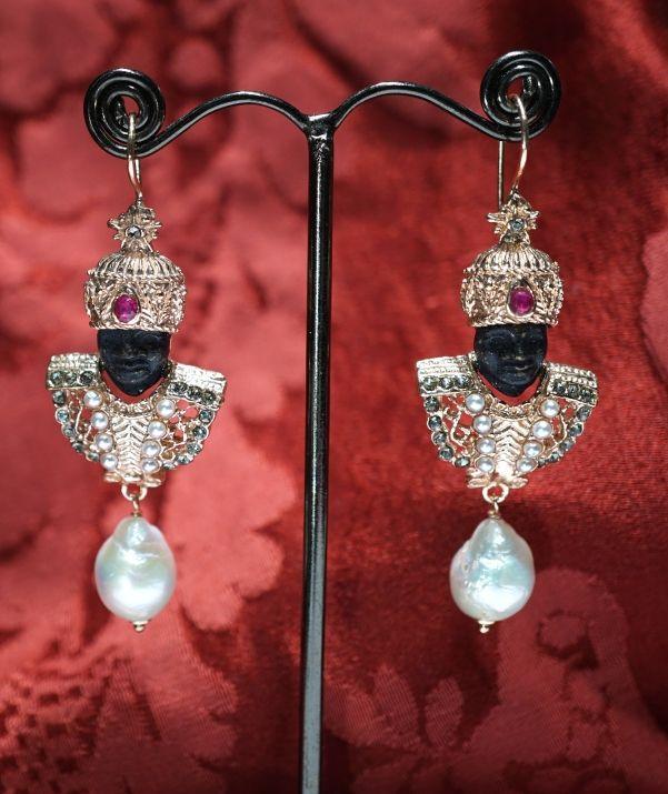 Economic Blackamoors 2017 silver, baroque pearls euros 299,00 www.gioiellivenezia.com