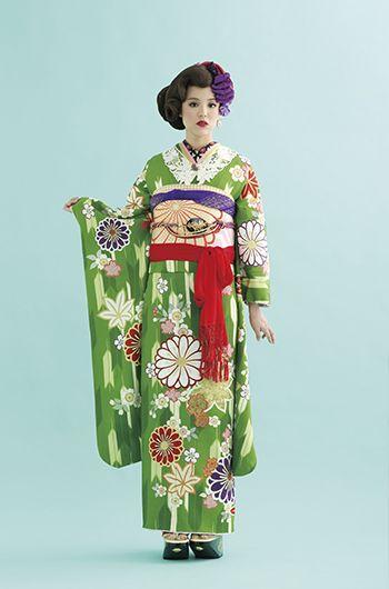 Pop-art furisode with elaborate obi accessorizing