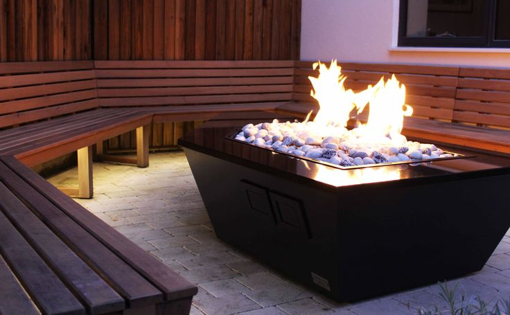 The Etna a Stainless and Granite Gas Fire Table