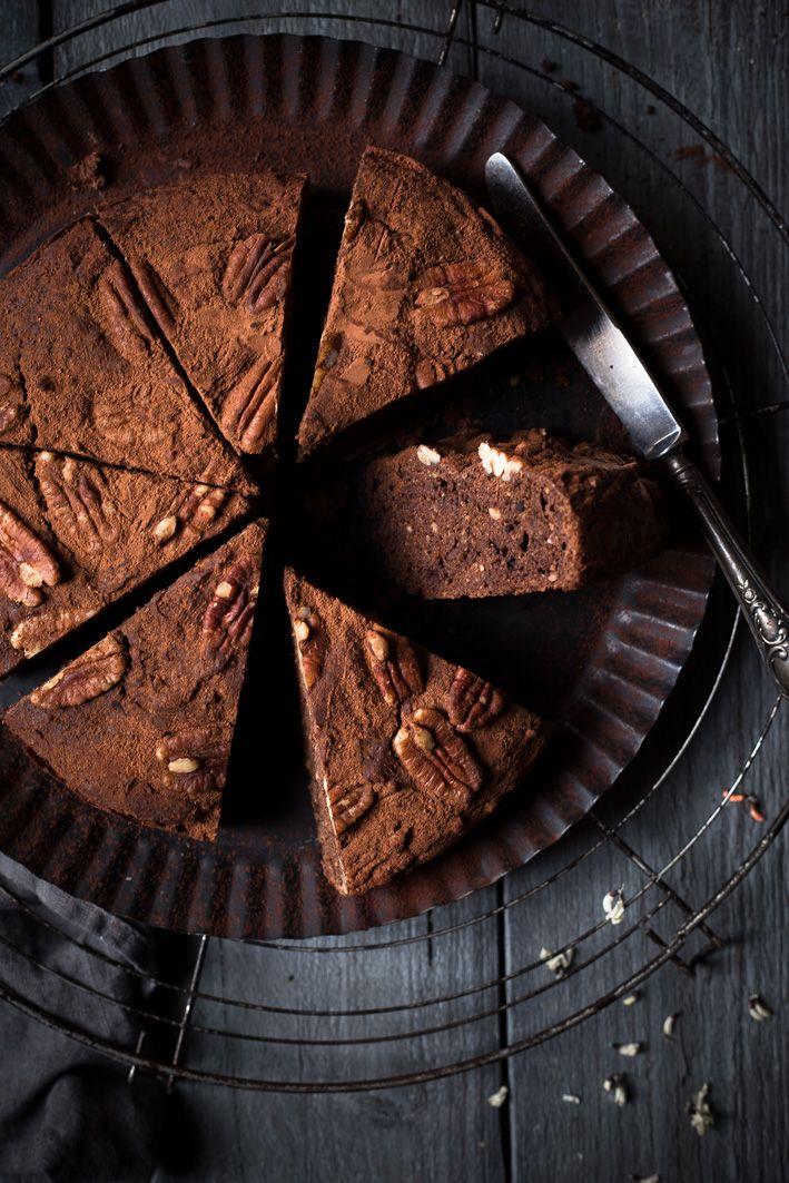 chocolate dates cake