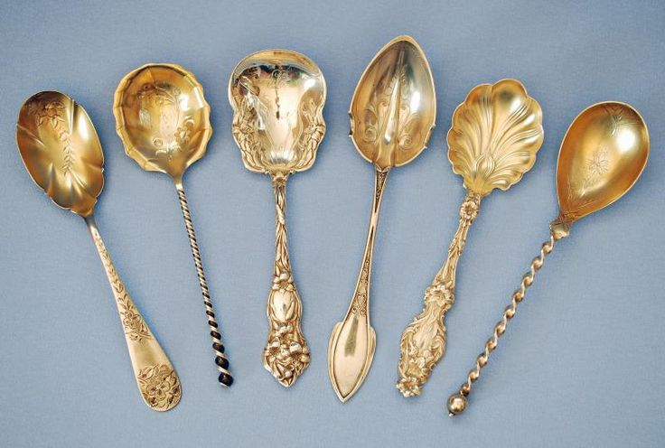 STERLING SILVER SUGAR SPOONS AND SUGAR SHELLS c.1880 - 1900