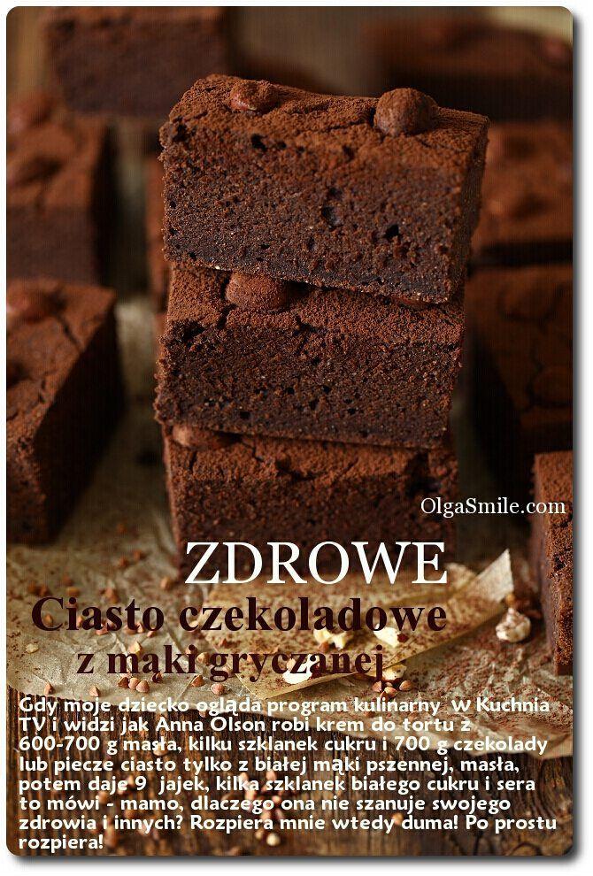 Ciasto czekoladowe minimum dwa razy w miesiącu musi się pojawić na naszym stole. Musi, no nie ma przebacz! Staram się gotować, piec i przygotowywać nasze posiłki najzdrowiej jak się da, według mojej teraźniejszej wiedzy. Czytam,