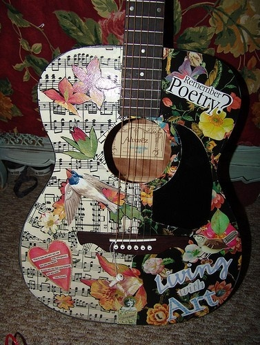 Have an old guitar might do this to. Hang it on the wall:): Music Instruments Crafts, Amazing Crafts, Decopaug Ideas, Decoupage Guitar, Cool Guitar, Guitar Art, Musical Instrument, Mod Podge Guitar, Acoustic Guitar