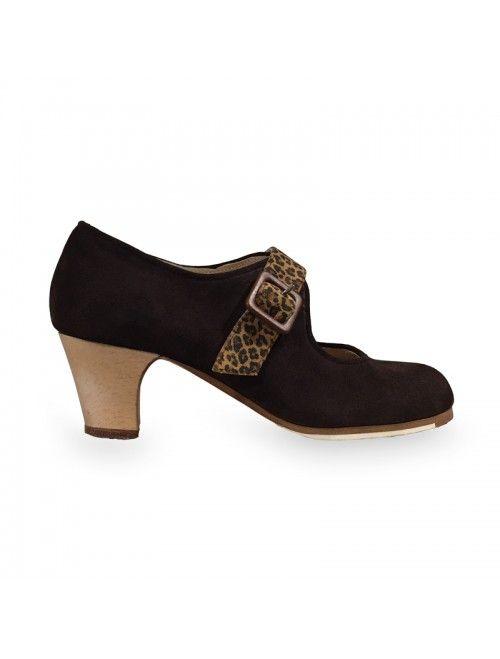 LUZ   Zapato flamenco de mujer en ante marrón y leopardo #flamenco #zapatosflamenco #flamencoshoes #zapatospersonalizados #zapatoartesanal #flamencousa #フラメンコシューズ #フラメンコ #flamencojapan #фламенко #фламенковмоскве