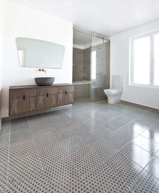 Johan Bulows lækre hus / Badeværelse udført af Københavns Møbelsnedkeri. Fliser fra Made a Mano