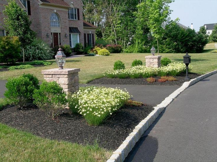 17 best driveway ideas images on pinterest driveway for Driveway landscape lighting