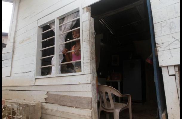 Pobreza en Cartagena disminuyó a 29,2 en 2013, pero sigue siendo alta. http://fundacionjuanfe.wordpress.com/2014/08/20/pobreza-en-cartagena-disminuyo-a-292-en-2013-pero-sigue-siendo-alta/