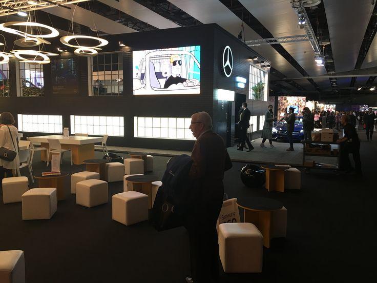 Detalle Digital Signage y video content en la última edición de la Mercedes Fashion Week Madrid 2016 #digitalsignage #videocontent #marketing