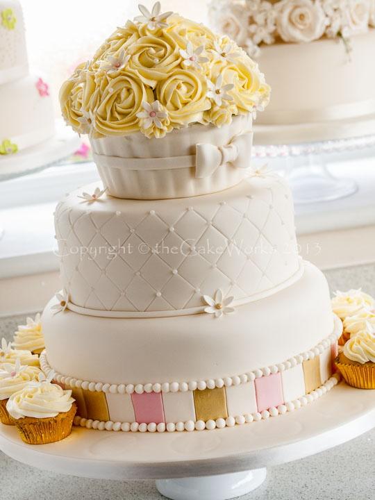 Cake Decorating Classes Darlington : 144 best Cakes - Giant Cupcake images on Pinterest