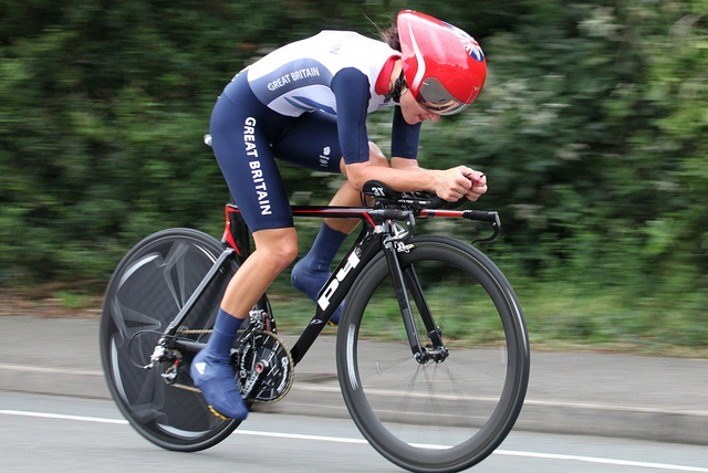 Lizzie Armitstead in the Women's Cycling Time Trials