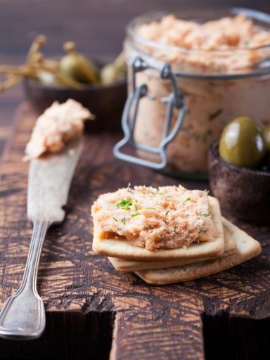 Rillettes de thon dernière minute : thon, petit suisse, crème, moutarde, citron, sel, poivre