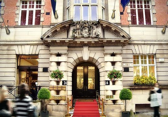 A bright, boutique-style hotel in Liverpool's city centre, with breakfast, dinner and a choice of rooms