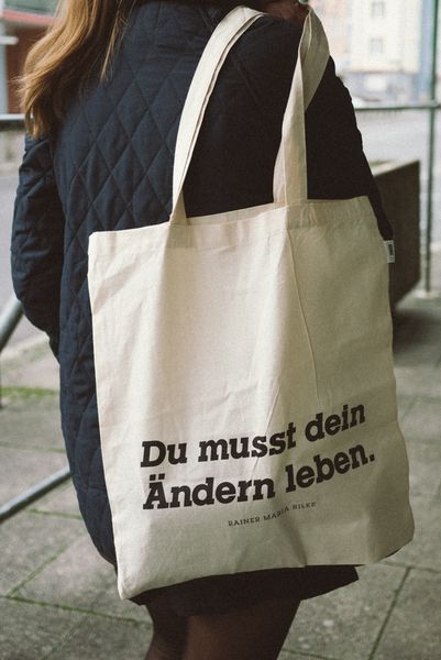"Jutebeutel ""Du musst dein Ändern leben."" // tote bag ""change"" by AKTIV7 - BENEFIZSHOP via DaWanda.com"