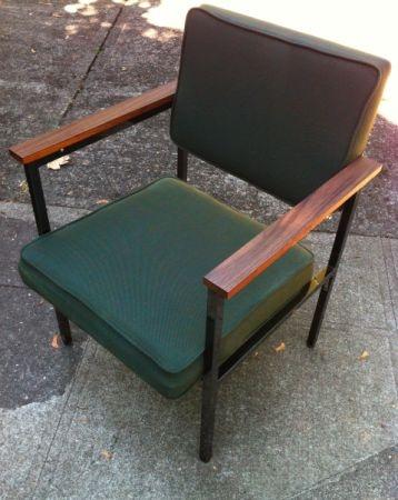 Portland: Mid Century Modern Lounge Chair, Wood Arms, Steel Legs $65   Http