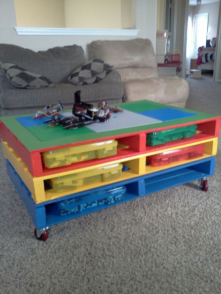 Lego table made from pallets... This is what I've been planning on doing!
