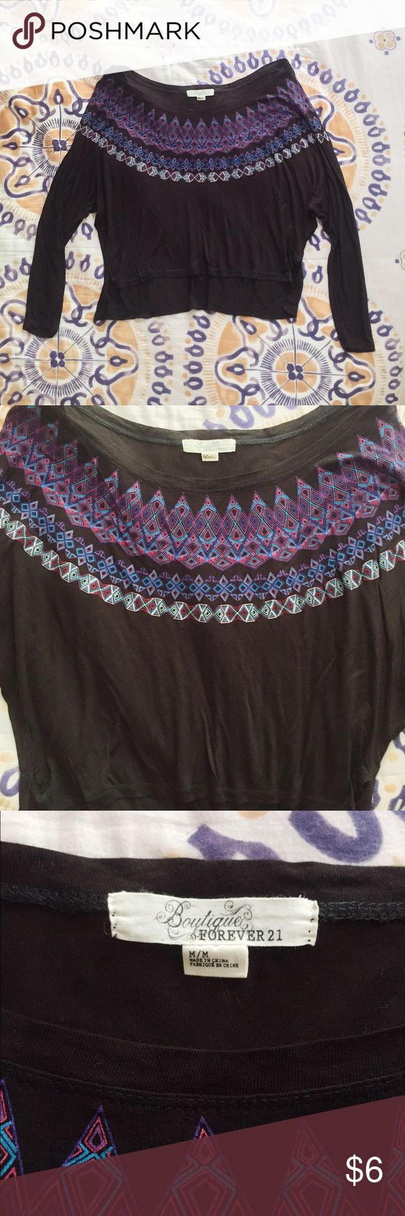 Aztec Print Scoop Neck Top Super comfy lightweight scoop neck long sleeve top with aztec pattern detail around the neckline. Perfect condition! Forever 21 Tops Tees - Long Sleeve