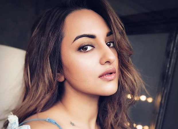 SHOCKING: Sonakshi Sinha reveals she was fat-shamed by this model   Sorce : BollywoodHungama