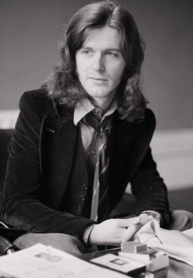 Asia co-founder and King Crimson star John Wetton dies at 67 - DigitalSpy.com