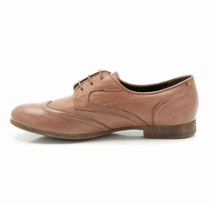 These women's brogues are beautifully designed and effortlessly stylish. With crafted stitching in the rich, natural tan leather they are the perfect look for AW13 once you've stepped out of your summer ballet flats.