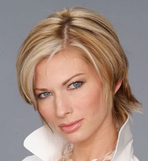 Short Haircuts For Women In Their 40S
