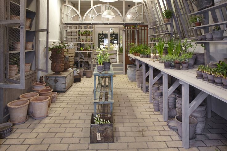 Gustavian style potting shed at Garbo Interiors; http://www.garbointeriors.com/bildgalleri/