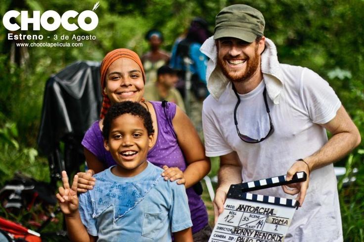 Juan Sebastian Hinestroza y Gabriel Amdur asistentes de dirección y Ana Prado asistente de producción