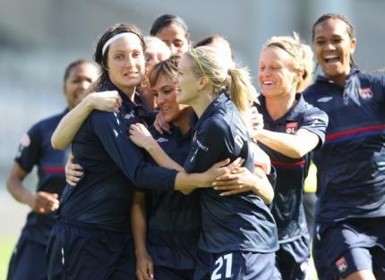 http://www.lequipe.fr/Medias/Football/201006/430x313/lyon-femmes.jpg