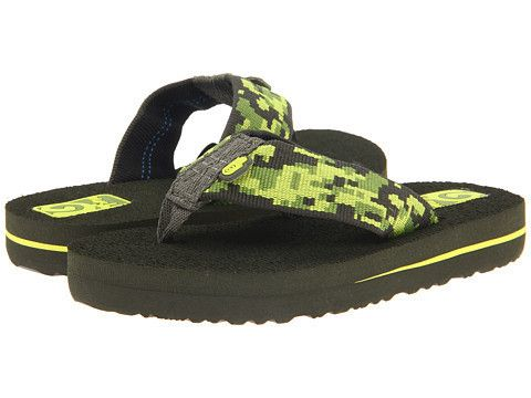 Teva Kids: Mush ll (Camo Green) Little Kid/Big Kid The Teva Kid's Mush ll flip flops are a great sandal for the summertime that are incredibly soft and conforms to your foot. A forest of greens across the strap and a night black footbed makes this flip flop cool in style and comfort to better enjoy those warmer days of summer.