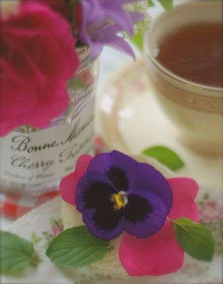 rose butter tea sandwiches with scented sugar