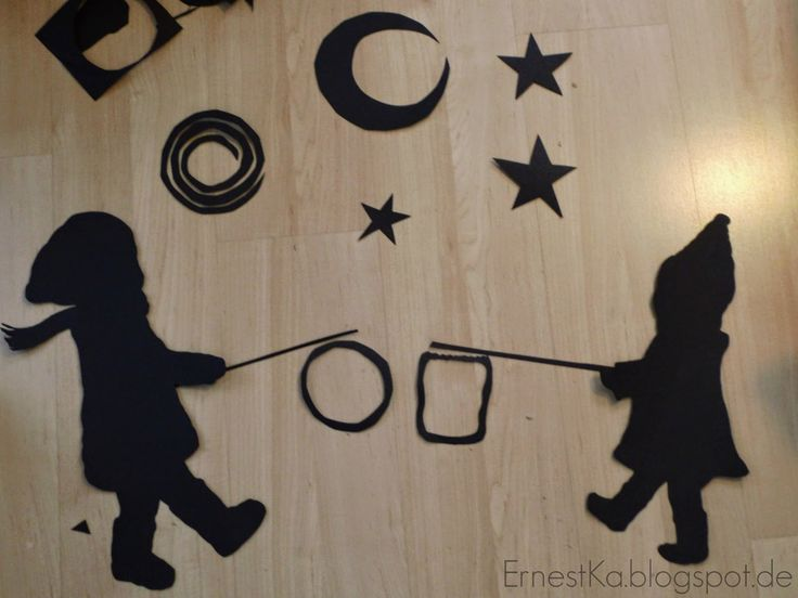 """Laterne. Laterne,...""- DIY Fensterbild zum Sankt Martins- Fest-- DIY Window decoration for St. Martin`s day  http://ernestka.blogspot.de/2014/11/laterne-laterne-diy-fensterbild-zum.html"