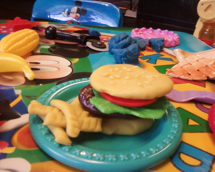 33 best images about play doh food on pinterest pretend for Play doh cuisine