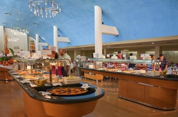 Restaurante con servicio tipo buffet y cocina en vivo for Cocina moderna tipo buffet