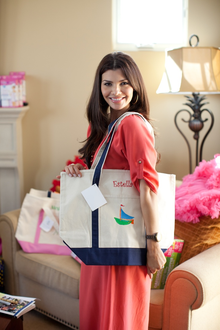 Related pictures famous landry allbright - Ali Landry With Hampton Paper Tote Bag For Her Daughter Estella