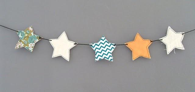Tuto DIY : Une guirlande d'étoiles en chutes de tissu