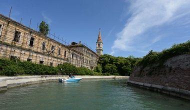 Ammessa l'offerta dell'associazione «Poveglia per tutti»  - Cronaca - la Nuova di Venezia