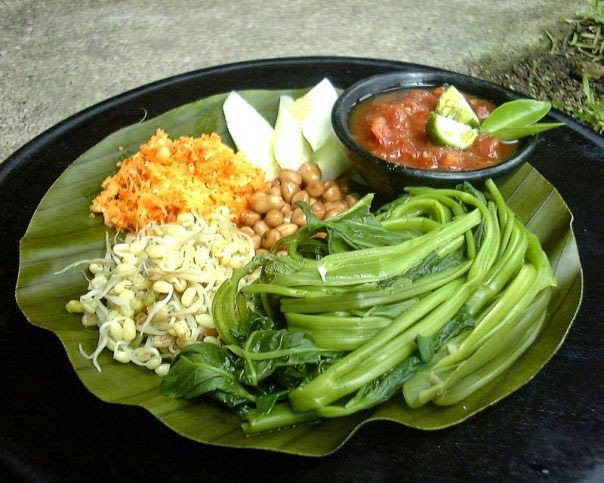 PELECING KANGKUNG: Lombok's famous water spinach, mung bean sprouts, roasted peanuts, freshly grated coconut mixed with chili and spices, topped with fiery 'Sambal Tomat', a spicy sauce made of hot chillies, tomato, shrimp paste and lime.