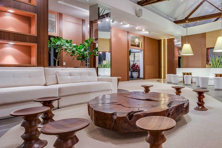 Mesas de centro rústicas e lindas. https://www.homify.com.br/livros_de_ideias/38548/15-dicas-de-decoracao-com-moveis-de-madeira