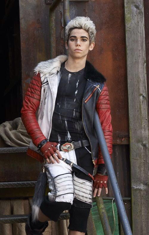 Carlos de vil son of Cruella de vil from Descendants