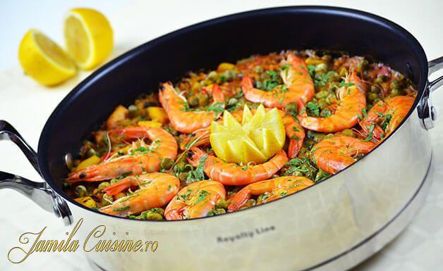 Paella cu fructe de mare – reteta video via @JamilaCuisine