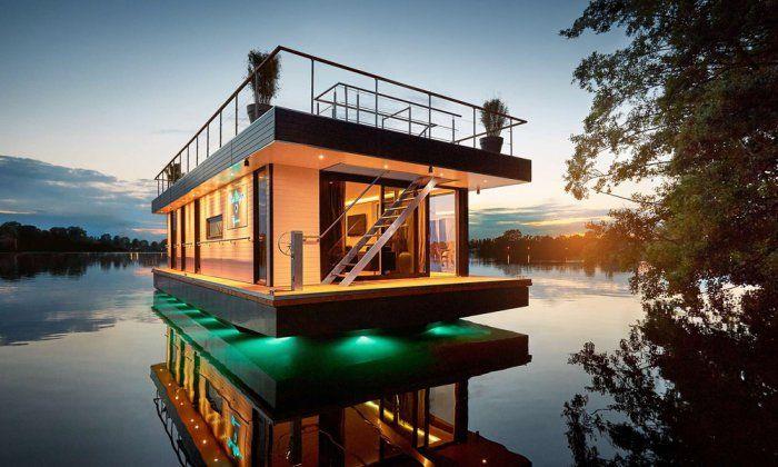 #интересное  Rev House – элитный плавающий пентхаус (10 фото)   Этот дом был построен по специальному заказу и пригодится, как в стационарном виде, так и в качестве своеобразной яхты для отпуска. В более частных случая – идеальное место для закрытой вечеринки или уед�