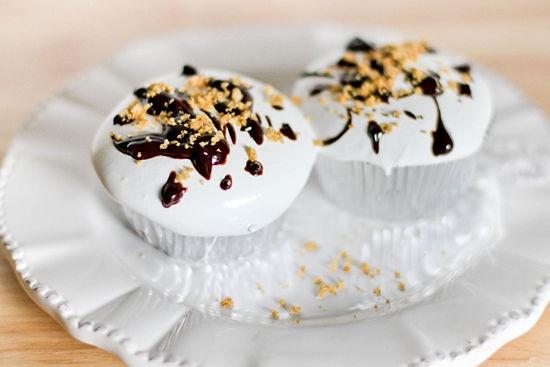 S'more Cupcakes: Food Desserts, Food Sweet, Cupcakes Pin, Cupcakes Yummm, Smore Cupcakes, Cupcakes Rosa-Choqu, Cupcakes Step, Food Drinks, Graham Cakes