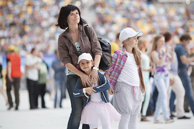 How to Keep Kids Safe When Visiting Busy Places