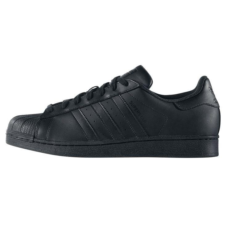 "Scarpe sportive ""Superstar Foundation"" del brand #Adidas."