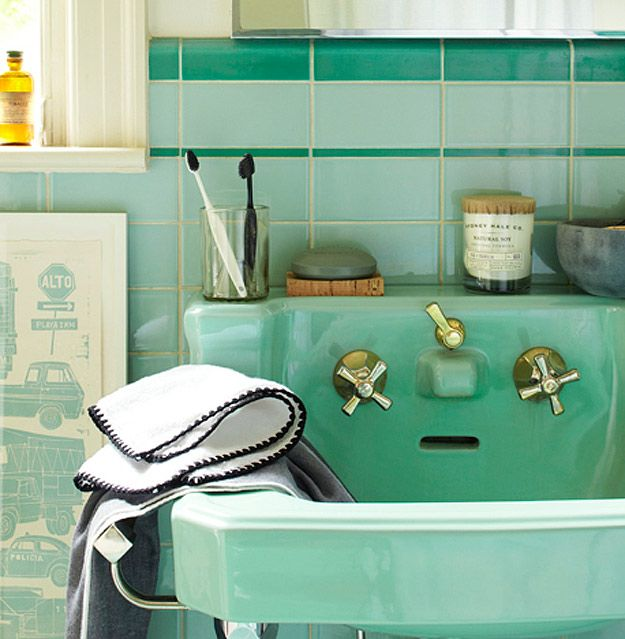 Cool Retro Bathrooms 91 best green 1950's bathrooms images on pinterest | bathroom