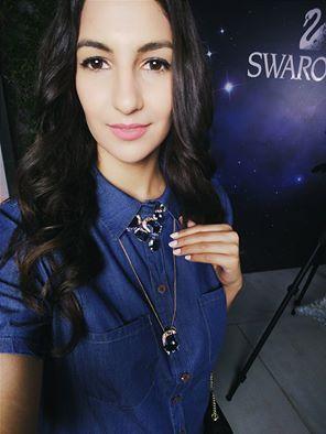 Στη χθεσινή SWAROVSKI βραδια δοκιμαζοντας κοσμηματα απο την φθινοπωρινη/χειμωνιατικη συλλογή Galaxy inspired!  #studyaboutfashion #swarovski #galaxy #jewels #fashionnight