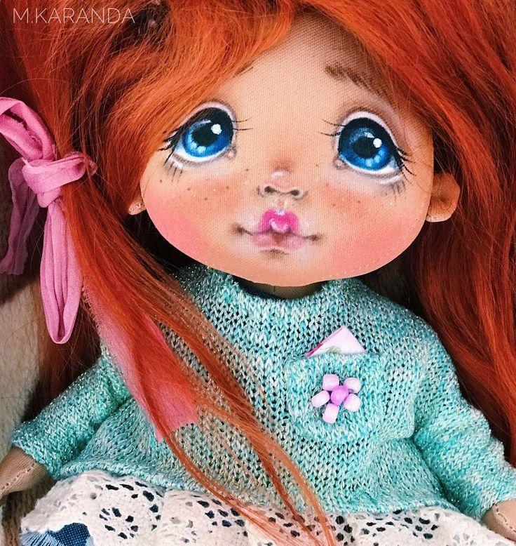 Когда решила вспомнить личико своих первых кукол . Девочка в процессе .  Одежда не её.  Хотя - очень идёт  Я потихонечку включаюсь в работу .  Эти праздники-сбивают ритм .  Но я безумно соскучилась по вам мои дорогие и по своей работе   #кукла#автор#работа#вечер#текстильнаякукла#красота#фото#художник#праздник#девочка#девочкитакиедевочки#красота#мама#дочка#подарок#подарки#любимые#принцесса#дом#интерьер#инстамама#marickdoll#doll#instagram#москва#санктпетербург#казань#